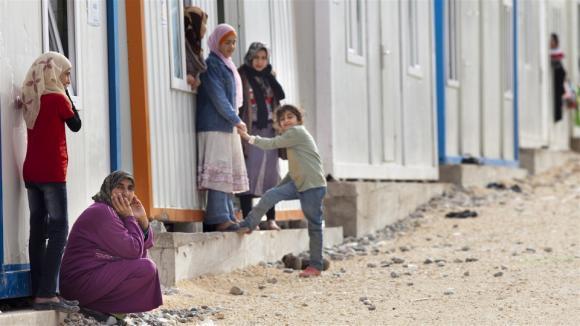 Syyrialaisia pakolaisia konttileirissä Turkin Nizipissä. Kuva: Jodi Hilton / IRIN News