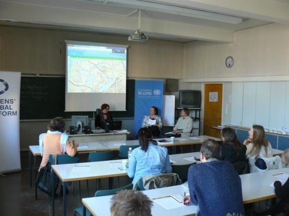 Työpajan päätti paneelikeskustelu, johon osallistuivat Flöjt, Myllylä ja Kuronen. Moderaattorina YK-liiton Jenni Kauppila